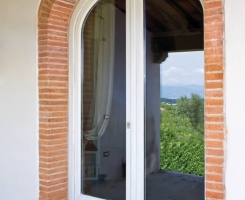 Basic arched french window